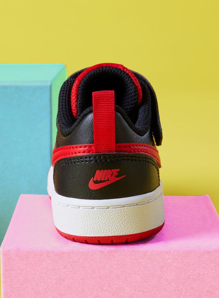 Schwarz-rote Kinder Sneaker von Nike