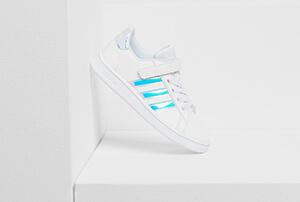 k_back-to-school_sneaker-t_mini-teaser_tp_416x280.jpg