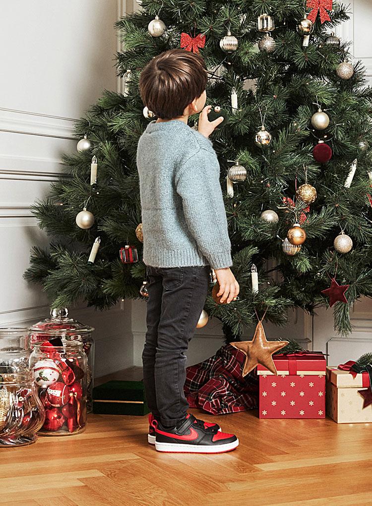 k-christmas-phase2-jungen_t_25-story-slider_462x770_01.jpg