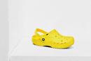 Gelbe Clogs