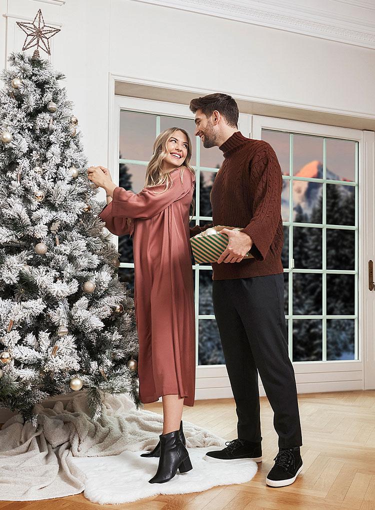 m-christmas-phase2-sneaker_t_25-story-slider_462x770_01.jpg