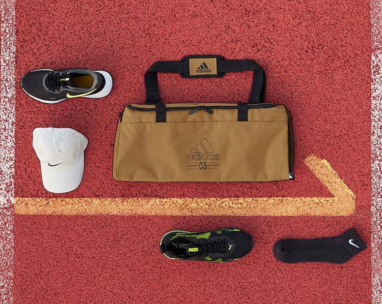 Laufschuhe und Sportacessoires