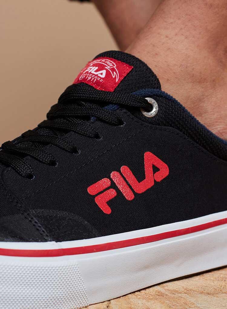 Schwarze Leinen Sneaker von Fila