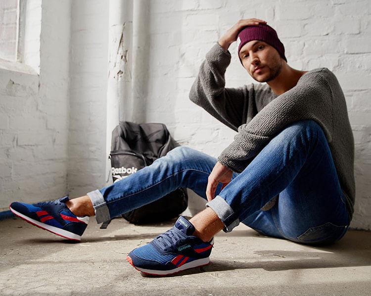 Blau-rote Sneaker von Reebok