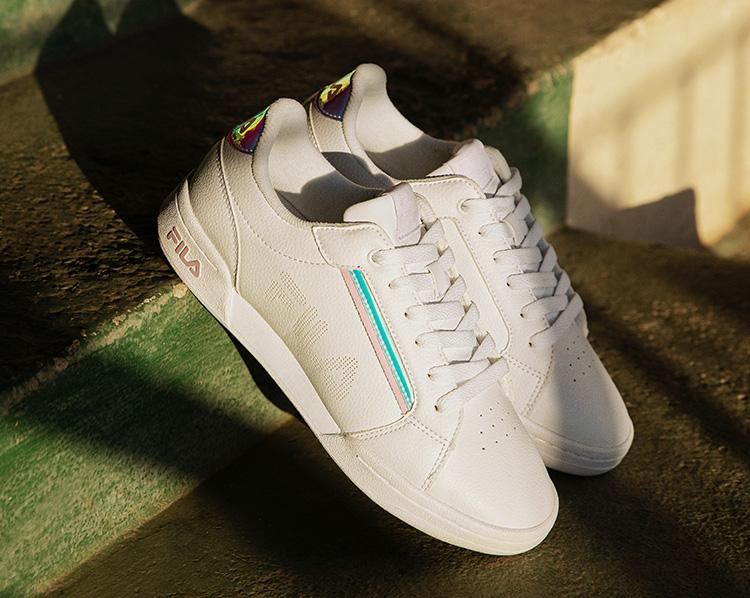 Weißer Fila Sneaker