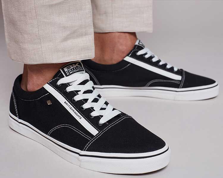 Schwarze Leinen Sneaker von British Knights