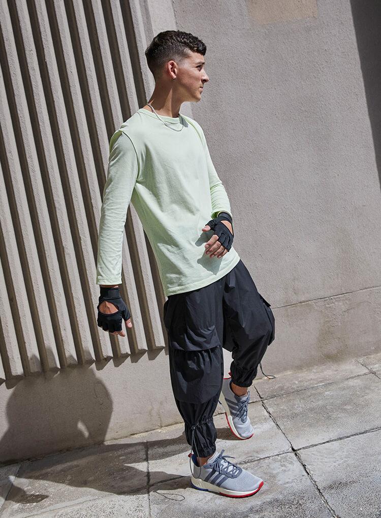 Graue adidas Sneaker