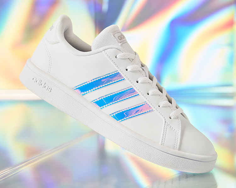 Weißer Adiidas Sneaker